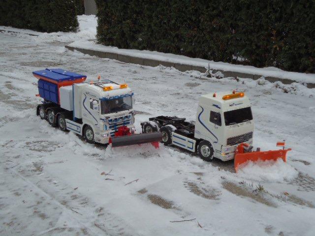 Radiostyrda lastbilar scania